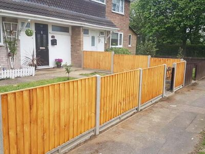residential fencing installation and replace of a 3 foot standard feathered edge front garden fence replaced with a new one with concrete gravel boards to avoid rot