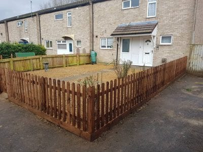 3 feet tall picket fence installation in corby northamptonshire